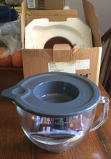 KitchenAid 5 Qt. Mixing Bowl with Lid in Fort Campbell, Kentucky