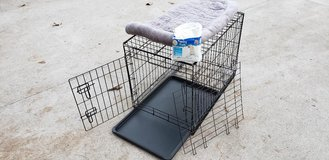 "Medium 30"" metal dog crate w/divider,tray+accessories! in Fort Campbell, Kentucky"