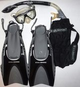 U.S. Divers Snorkeling Kit ~Panoramic Mask, Pivot Fins, Dry Top Snorkel + Gear Bag in Orland Park, Illinois