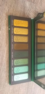 Melt Cosmetics smoke sessions pallette in Yucca Valley, California