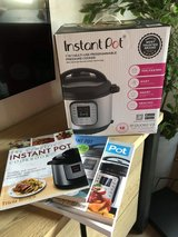 REDUCED BRAND NEW Instant Pot w/ cookbooks in Ramstein, Germany