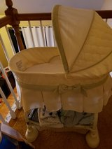 Bassinet in Orland Park, Illinois