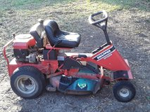 Snapper rear engine riding mower in Beaufort, South Carolina