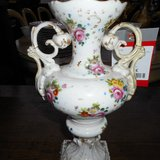 Very Pretty Baroque Style Floral Vase         Article number: 042176 in Ramstein, Germany