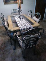 Beautiful Dinning set 6 chairs discounted in Alamogordo, New Mexico