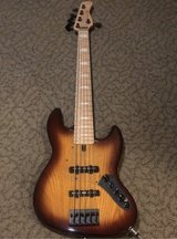 sire bass Marcus Miller 5 strings in Okinawa, Japan