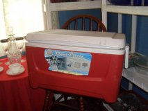 48 qt Igloo cooler in Wilmington, North Carolina