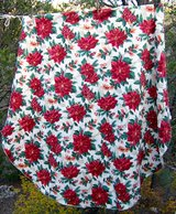 """66"""" ROUND Tablecloth ~ CHRISTMAS Floral ~ Vintage 1996 High Quality in Alamogordo, New Mexico"""