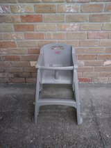 Rubbermaid high chair in Spring, Texas