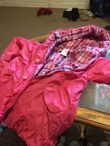 Size 6 girls winter coat in Fort Campbell, Kentucky