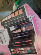 Pink Make Up Train Case 39 Piece Buy one get one Half off in Fort Campbell, Kentucky