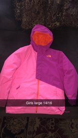 north face girls jacket large 14/16. little marks spot on the sleeve priced for that reason. in Naperville, Illinois