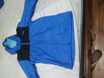 Rain Jacket The North Face Medium in Fort Campbell, Kentucky