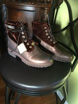 Timberland women's  Boots in Fort Campbell, Kentucky