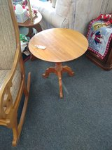 Round Wood Side Table in Bolingbrook, Illinois