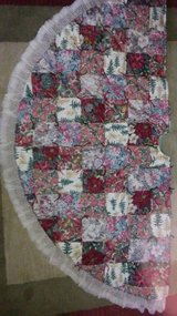 Hand made Christmas tree skirt- quilted- reversible in Joliet, Illinois