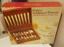 45 piece goldplated flatware in Fort Campbell, Kentucky