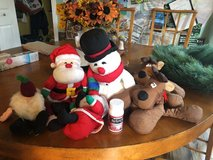 6 small plush Christmas toys in Spring, Texas