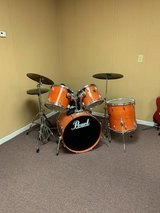 Pearl Drum Set Church Owned Make Offer in Macon, Georgia