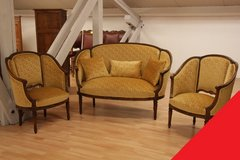 Freddy's - Louis XVI couch set in Stuttgart, GE