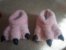 Pink Claude slippers size large 910 in Camp Lejeune, North Carolina