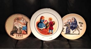 Collectible Christmas Plates in Cleveland, Texas