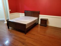 Like New Queen Sleigh Bed Set! in Warner Robins, Georgia