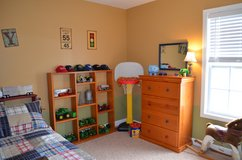 6 pc bedroom set in Fort Campbell, Kentucky