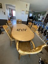 Dining table & 6 chairs in Fort Campbell, Kentucky