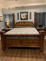 Beautiful King Size Solid Oak Bedframe in Warner Robins, Georgia