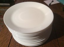 30 dishwasher safe dinner plates in Ramstein, Germany