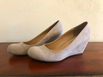 Women's shoes size 8 in Pleasant View, Tennessee