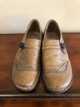 women's shoes size 8.5 in Pleasant View, Tennessee