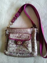 COACH PURSE Shoulder Strap Exc Condition in Oswego, Illinois