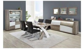 United Furniture - Kasimir Dining Set - Table Legs on the End including delivery in Wiesbaden, GE