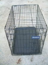 DOSKOCIL MEDIUM FOLD UP ANIMAL CRATE/CAGE---STILL AVAILABLE in Warner Robins, Georgia