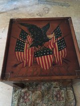 Liberty End table in Cleveland, Texas