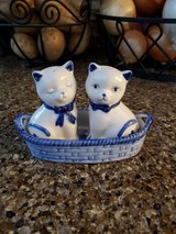 REDUCED Salt & Pepper shakers cats in 29 Palms, California