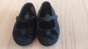 Baby/toddler sz 4w black dress shoes in 29 Palms, California