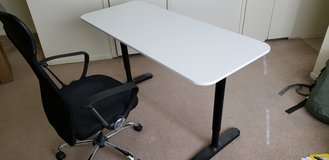 COMPUTER DESK + CHAIR FOR SALE in Fort Hood, Texas