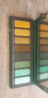 melt cosmetics palette in 29 Palms, California