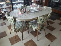 Mid Century Chrome Edge table and 4 Chairs in Fort Leonard Wood, Missouri