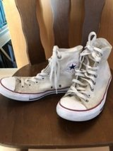 Converse All Star high tops size 8 in Ramstein, Germany