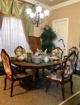 Dining table and 6 chairs in Tomball, Texas