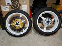 07 GSXR 750 Wheels with rotors and tire in Quantico, Virginia