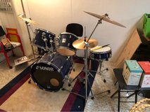 Sonor drums set w/ Sabian B8 cymbals in Plainfield, Illinois
