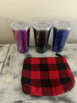 Glitter cups with lid and straw in Warner Robins, Georgia