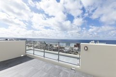 1+Loft Bed APT with BIG PATIO nearby sea wall in Chatan---coming in Jan!!!! in Okinawa, Japan