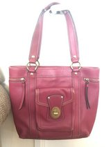 Authentic Coach Magenta Tote in Okinawa, Japan