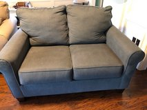 Love Seat - Pull out sleeper - single mattress in Kingwood, Texas